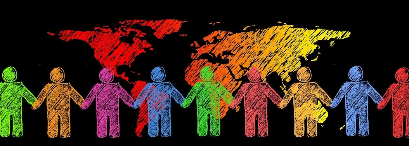 Gemeinschaft_international_bunte Figuren_Globus (pixabay_together-2450081)_1920×1366