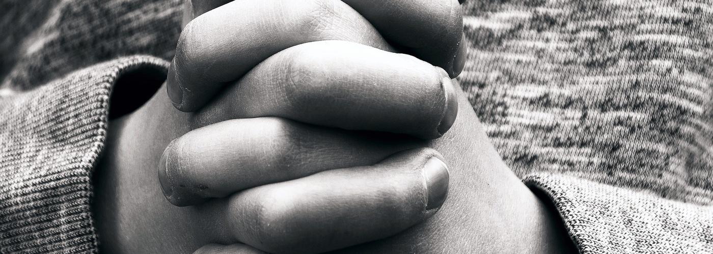 Haende_Kinderhaende_Gebet (pixabay_hands-2274254)_1920×1297